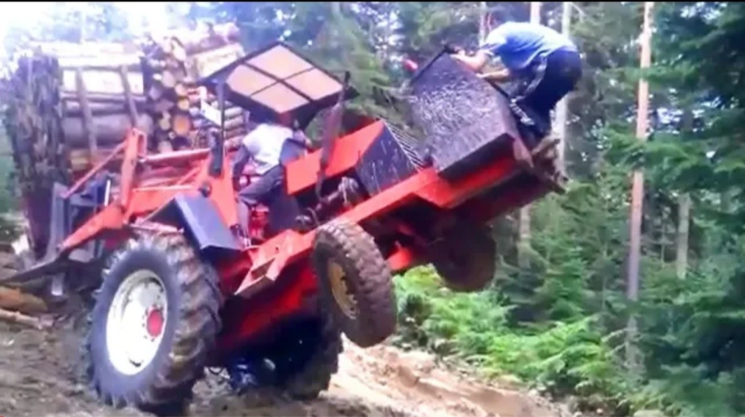 Wow! Great Super Tractor Pulling & Stuck