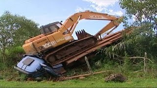 Dangerous Idiots Operator Heavy Equipment Truck & Excavator Fastest Driver Skill Fail / Win - The Best Fail