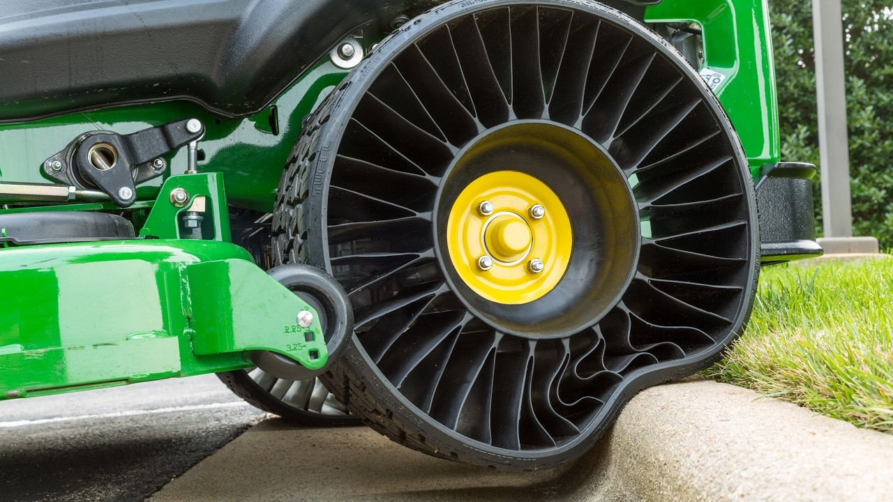 Cool Airless Tires for Loaders in action Comparison test - The Perfect Tires System