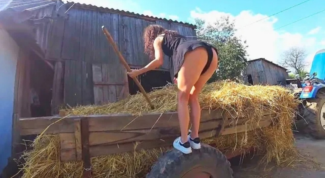 Modern Agriculture Hay Bale Handling FENDT CLAAS Tractor And Awesome Girll....